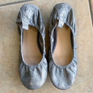 Old Navy Grey Snakeskin Print Ballet Flats